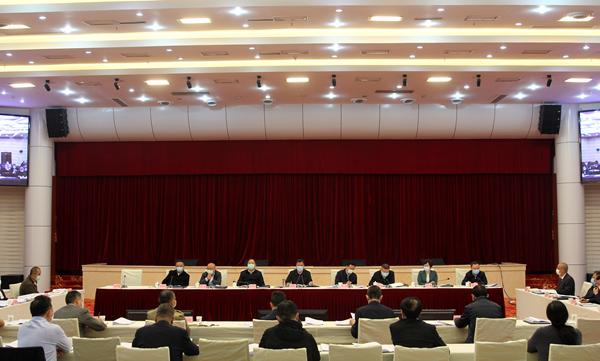 吴群刚主持召开市政府常务会议、全市一季度经济形势分析会议..